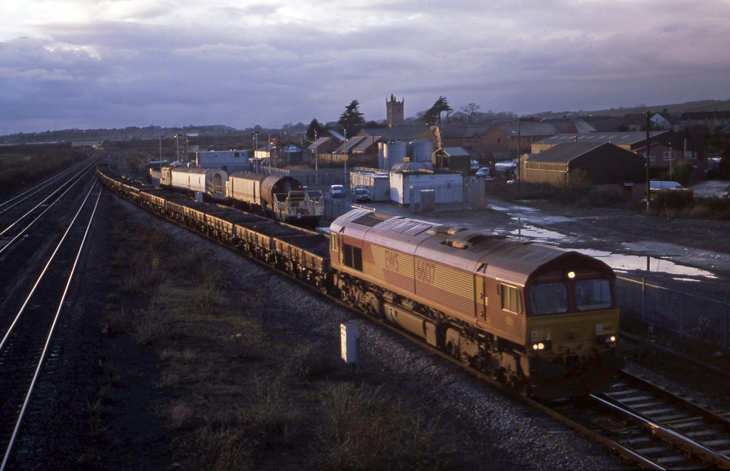 66137, 15.07 Newport Alexandra Dock Junction-Westbury Yard, Severn Tunnel Junction, 21-1-03.