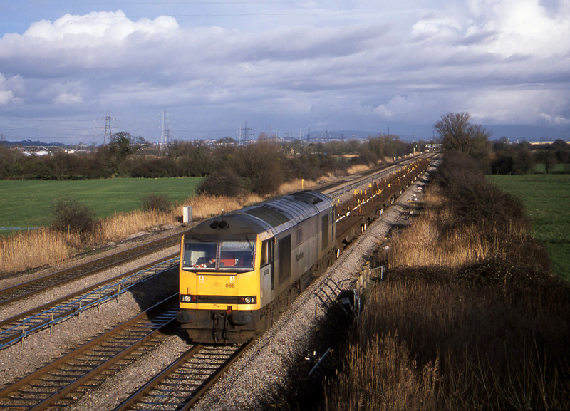 60088, 09.29 Dee Marsh-Margam, Coedkernow, near Newport, 21-1-03.