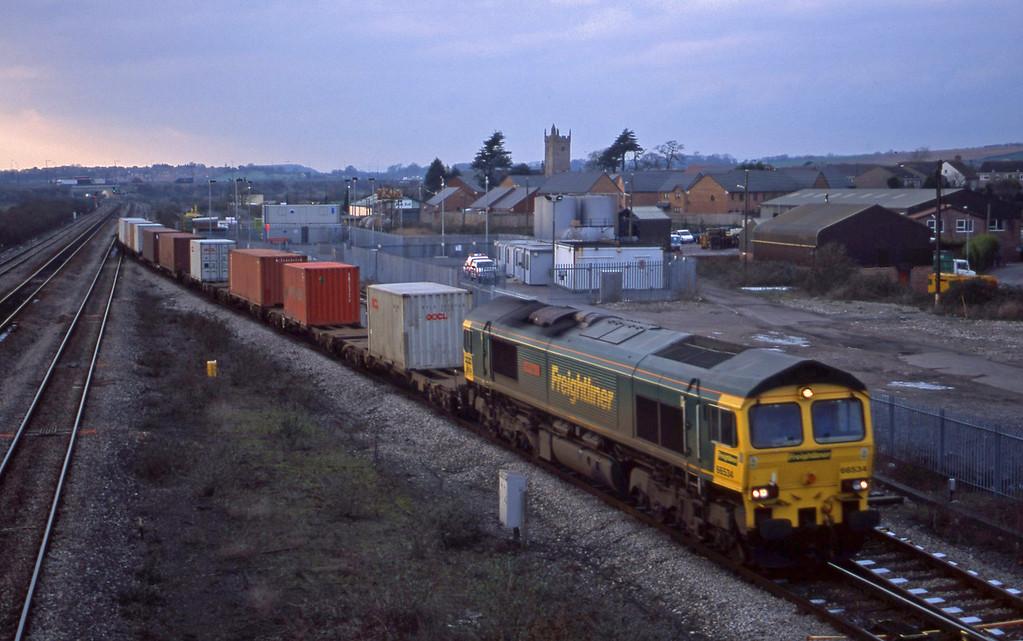 66534, 10.00 Cardiff Wentloog-Southampton, Severn Tunnel Junction, 7-1-03.
