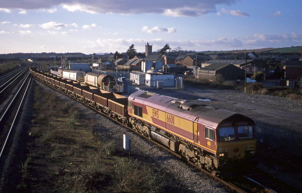 66011, 15.07 Newport Alexandra Dock Junction-Westbury, Severn Tunnel Junction, 29-1-03.