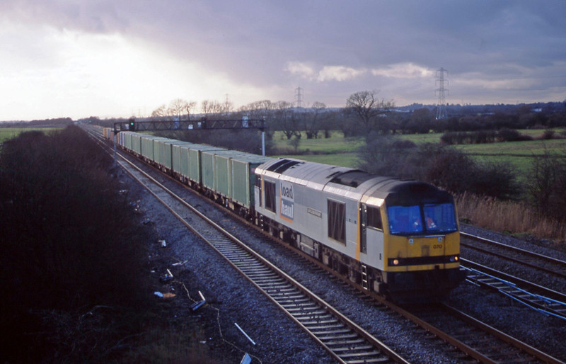 60070, 14.25 Barry-Newport Alexandra Dock Junction, Coedkernow, near Newport, 21-1-03.