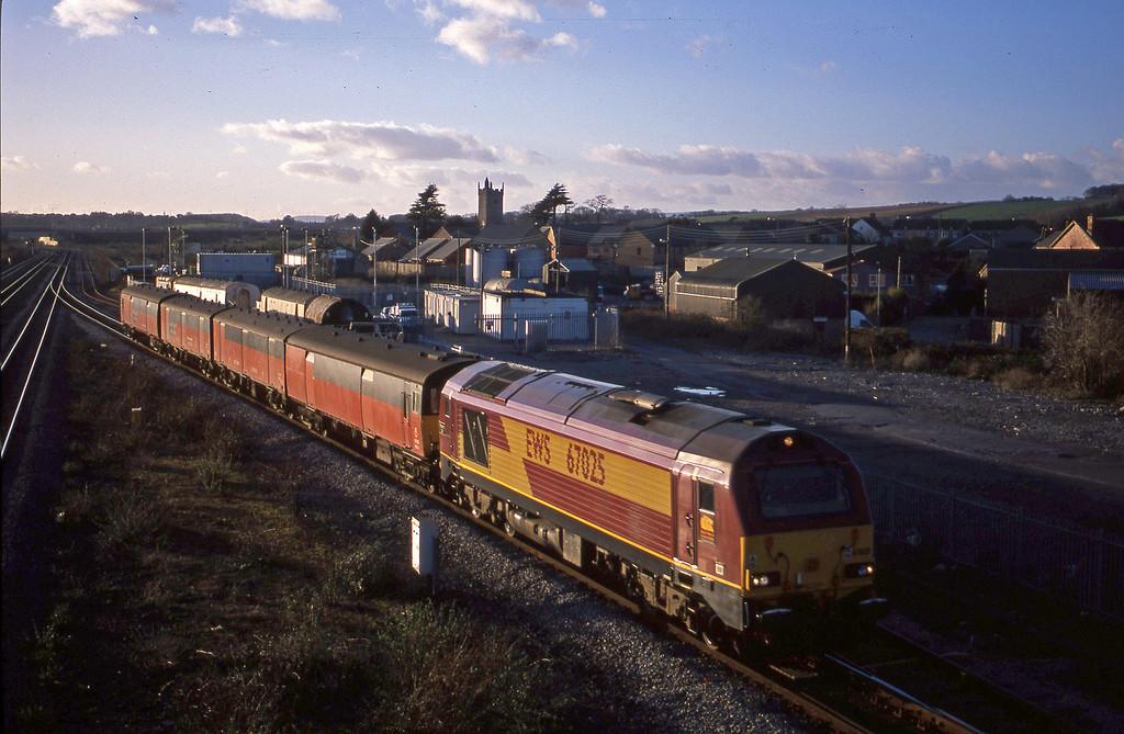 67025, 14.25 Swansea-London, Severn Tunnel Junction, 29-1-03.