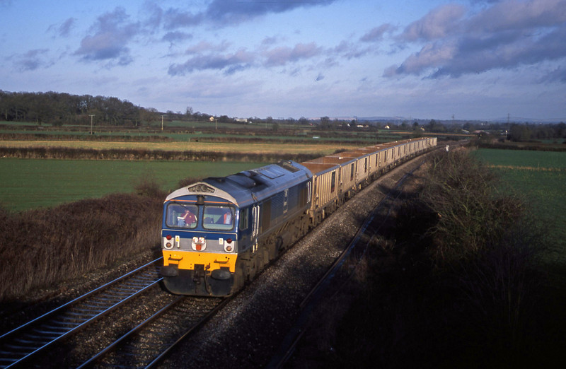 59001, 11.48 Fareham-Merehead Quarry, Berkley Marsh, near Frome, 28-1-03.