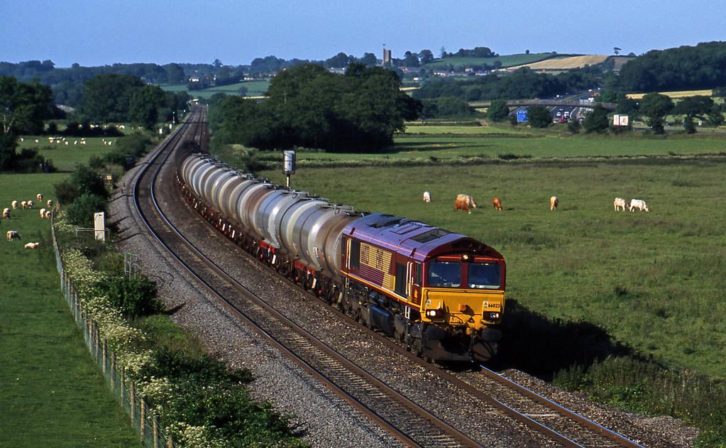66023 13.34 Fawley-Plymouth Tavistock Junction, Tiverton Parkway, 20-6-03.