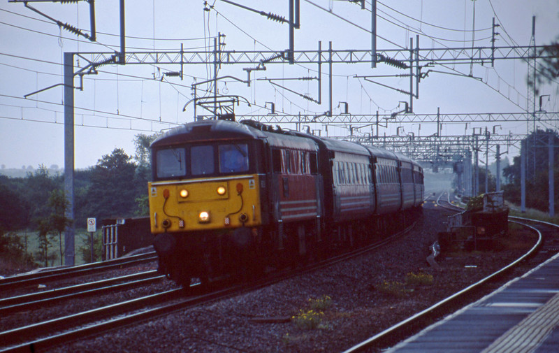 86229, down passenger, Tamworth Low Level, 10-6-03.