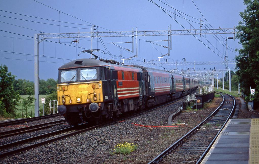 87018, down passenger, Tamworth Low Level, 10-6-03.