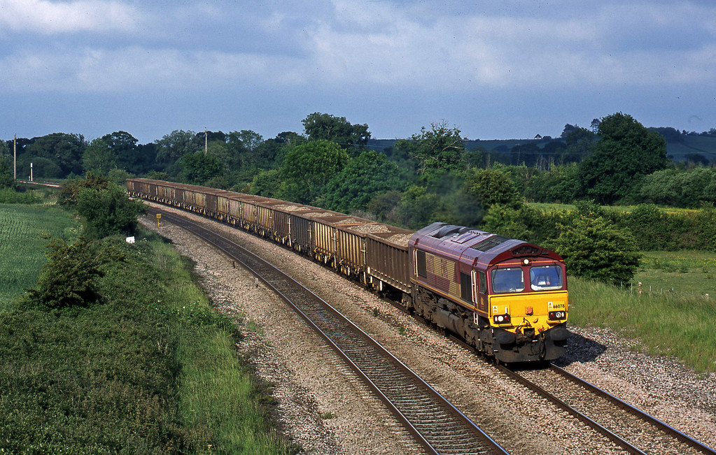 66078, down ballast, Creech St Michael, near Taunton, 3-6-03.