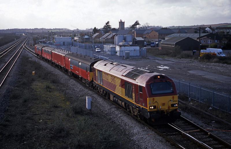 67022, 14.25 Swansea-London, Severn Tunnel Junction, 11-3-03.