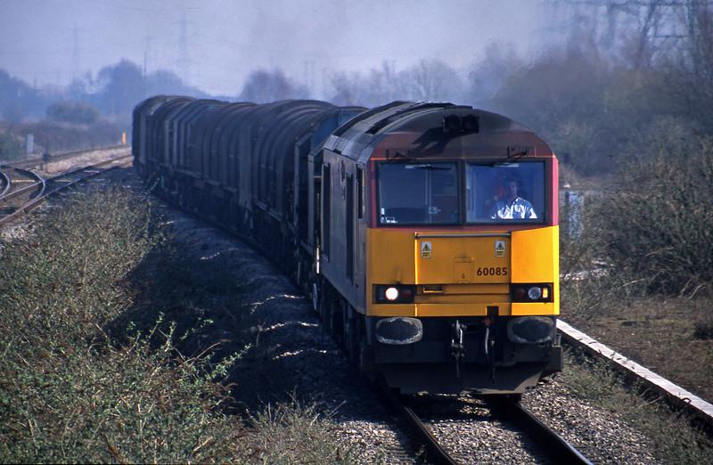60085, 09.55 Round Oak-Margam, Severn Tunnel Junction, 19-3-03.