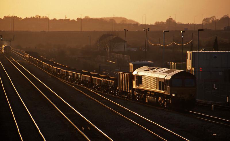 66062, 15.07 Newport Alexandra Dock Junction-Westbury Yard, Severn Tunnel Junction, 11-3-03.