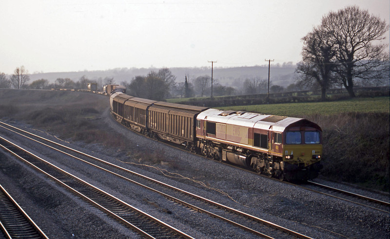 66202, 16.38 Newport Alexandra Dock Junction-Wembley, Llandevenny, near Llanwern, 26-3-03.