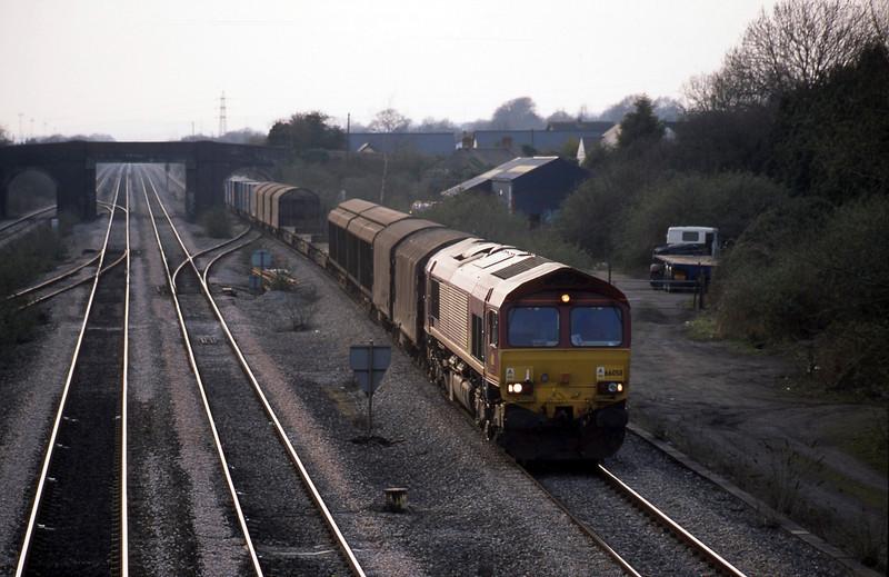 66058, 16.38 Newport Alexandra Dock Junction-Wembley, Magor, 25-3-03.