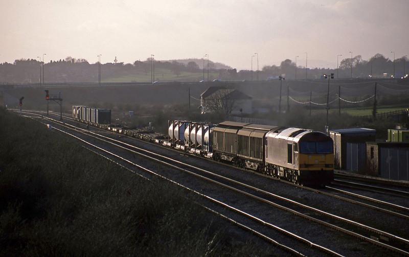 60010, 16.38 Newport Alexandra Dock Junction-Wembley, Severn Tunnel Junction, 11-3-03.