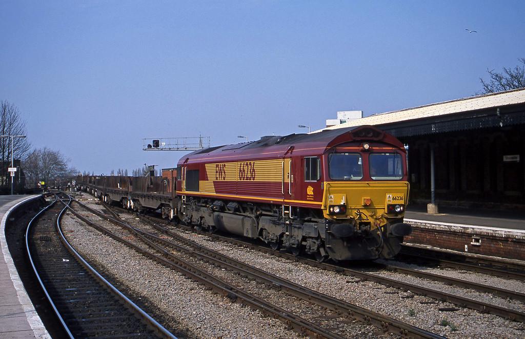 66236, 10.52 Margam-Lackenby, Gloucester, 27-3-03.