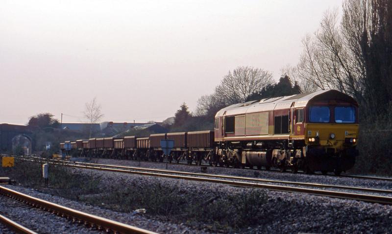66077, 15.07 Newport Alexandra Dock Junction-Westbury, Magor, 25-3-03.
