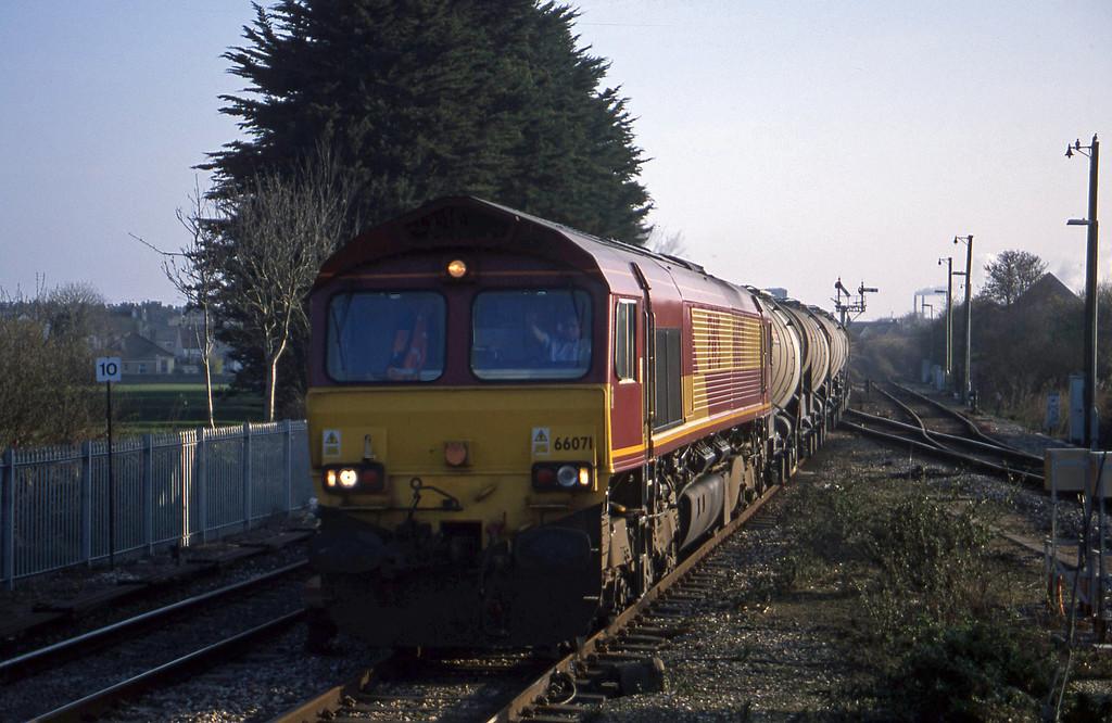 66071, Burngullow-Cliffe Vale, Par, 18-3-03.