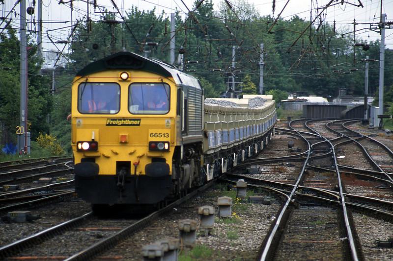66513, 13.02 Sunderland-Carlisle, Carlisle, 22-5-03.
