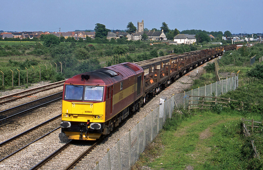 60065, 10.10 Corby-Margam, Severn Tunnel Junction, 28-5-03.