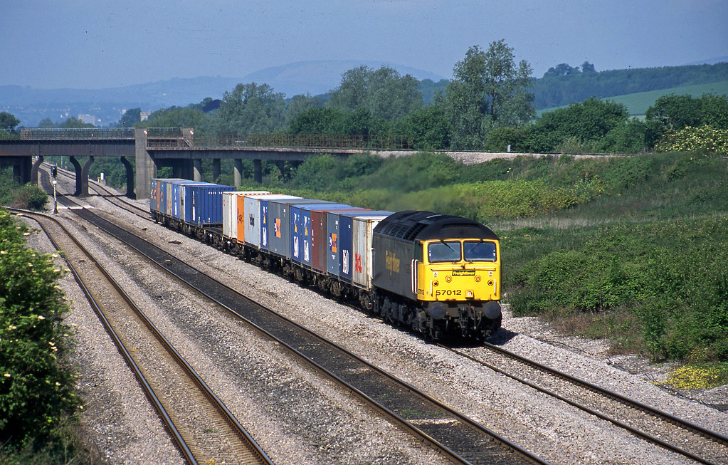 57012, 10.10 Cardiff Wentloog-Southampton, Llandevenny, near Llanwern, 28-5-03.