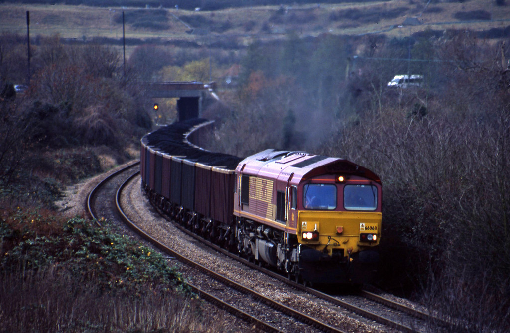 66068, 12.52 Avonmouth Bennett's Siding-Penyfford, Brentry, Bristol, 19-11-03.