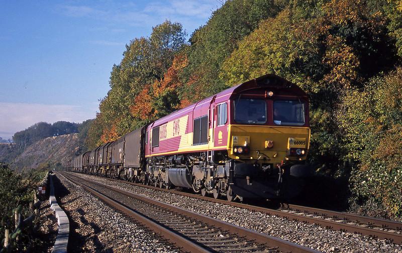66005, 10.40 Llanwern-Round Oak, Gatcombe, near Lydney, 21-10-03.