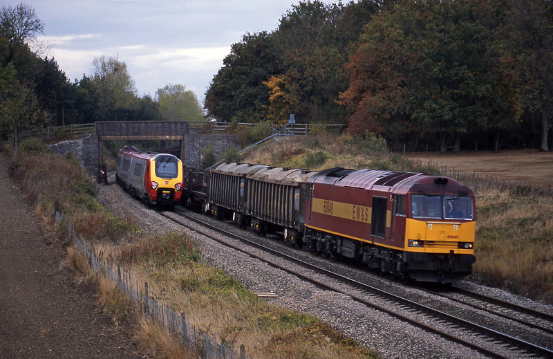60049, 10.10 Corby-Margam, Besford, near Pershore, Worcestershire, 21-10-03.