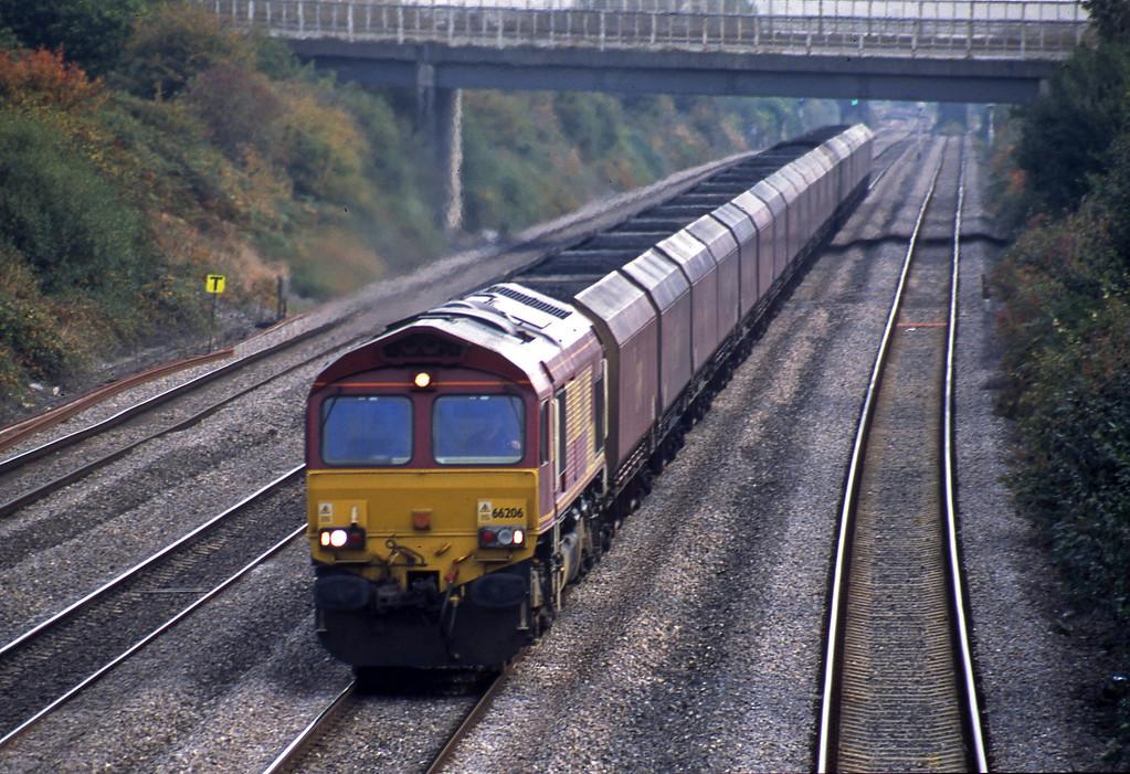 66206, Avonmouth Bulk Handling Terminal-Aberthaw Power Station, Llandevenyy, near Llanwern, 14-10-03.