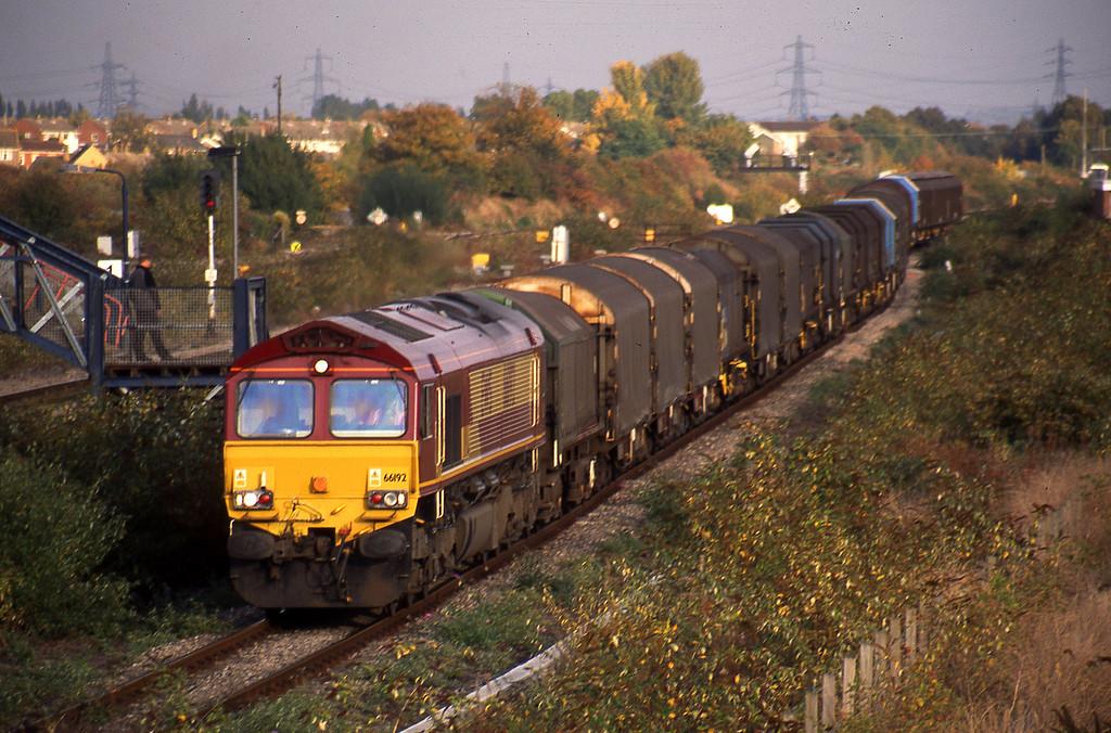 66192, 14.00 Round Oak-Llanwern, Severn Tunnel Junction, 14-10-03.