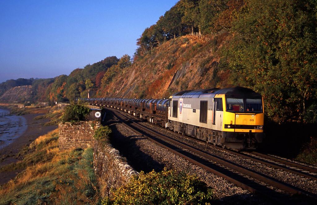 60015, 08.23 Llanwern-Corby, Gatcombe, near Lydney, 21-10-03.
