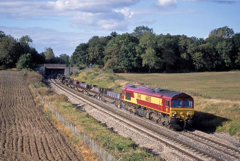66005, 08.17 Lackenby-Llanwern, Besford, near Evesham, 23-9-03.
