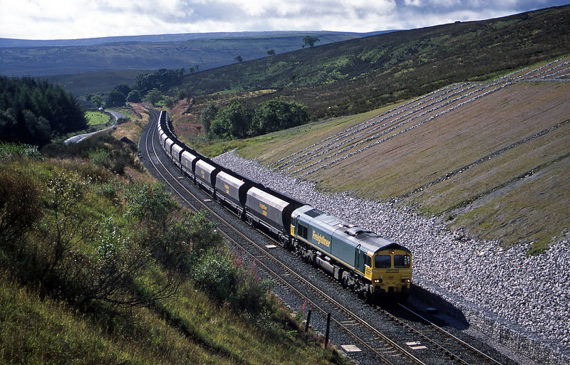 66531, 06.50 Drax Power Station-Killoch, Shotlock Hill, near Garsdale, 9-9-03.