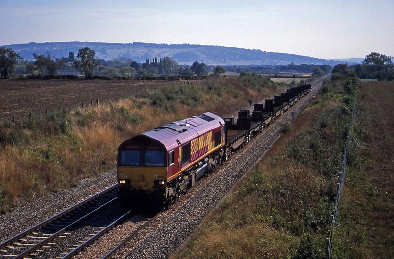 66028, 11.42 Llanwern-Lackenby, Besford, near Evesham, 17-9-03.