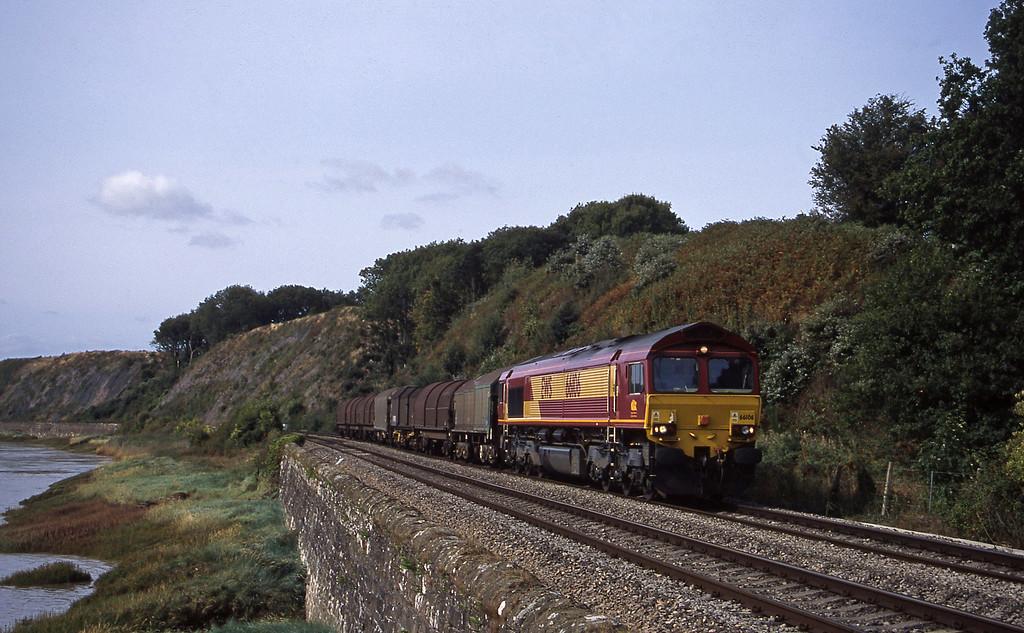 66106, 10.40 Llanwern-Round Oak, Gatcombe, near Lydney, 12-9-03.