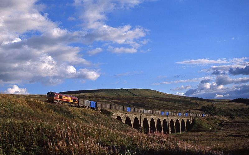 66196, 15.20 Milford Sidings-Newbiggin Dandry Mire Viaduct, Garsdale, 10-9-03.