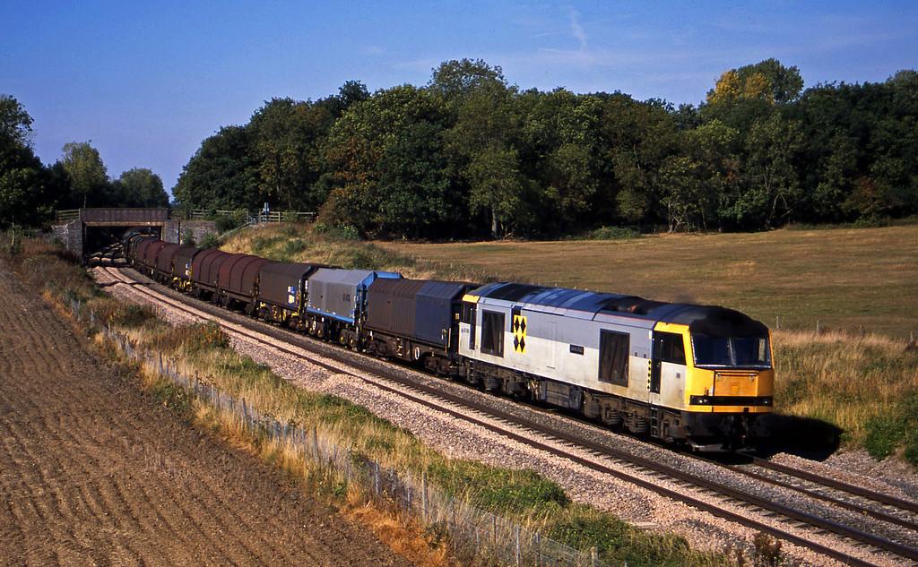 60060, 14.00 Round Oak-Margam, Besford, near Evesham, 17-9-03.