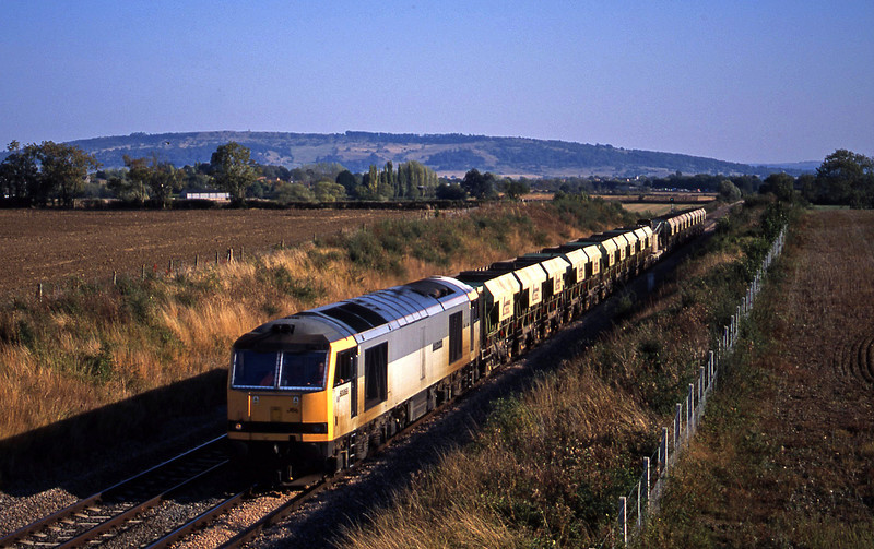 60068, down stone empties, Besford, near Evesham, 17-9-03.