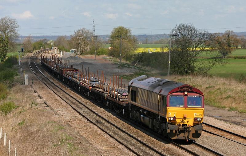 66075, 09.11 Rotherham Aldwarke-Wolverhampton Steel Terminal, Elford, near Tamworth, 13-4-04.
