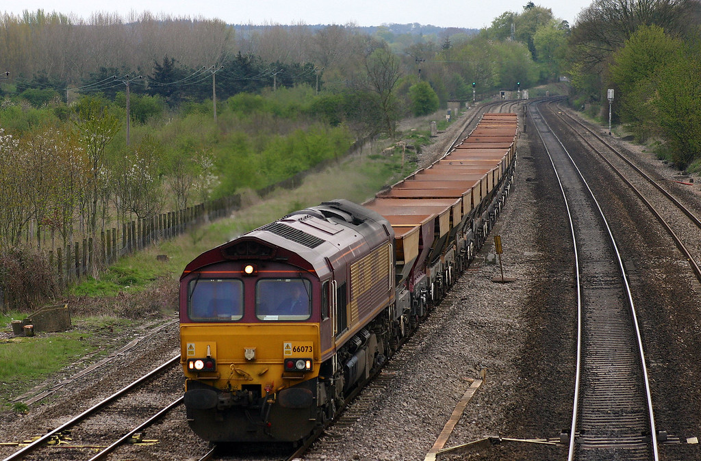 66073, Thorney Mill-Swansea, Lower Basildon, near Pangbourne, 20-4-04.
