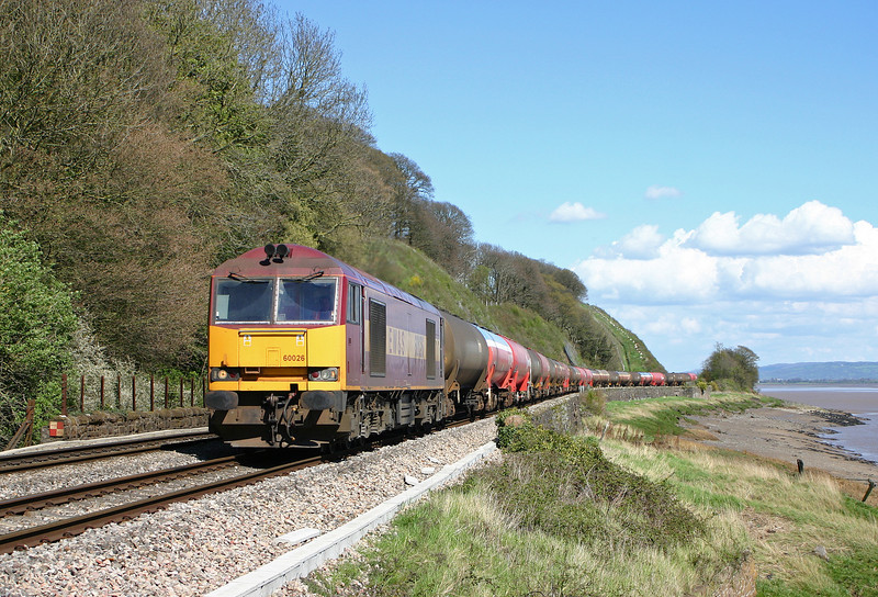 60026, 13.18 Westerleigh-Robeston, Gatcombe, 19-4-04.