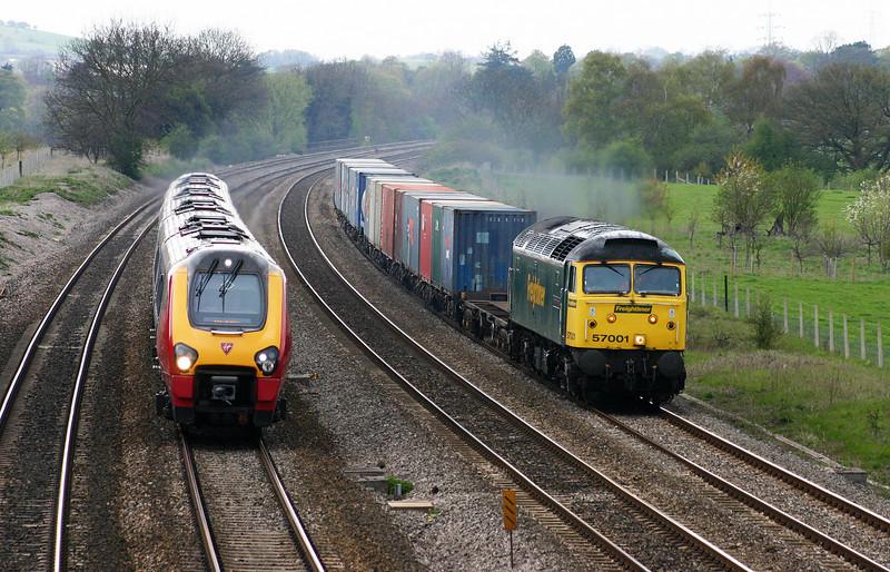 57001, 10.08 Cardiff Wentloog-Southampton Millbrook, Lower Basildon, near Pangbourne, 20-4-04.