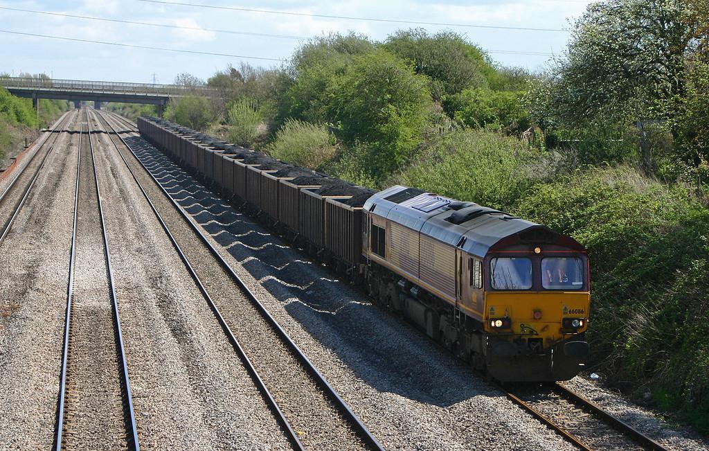 66086,11.52 Avonmouth Bennett's Siding- Penyfford, Llandevenny, near Llanwern, 19-4-04.