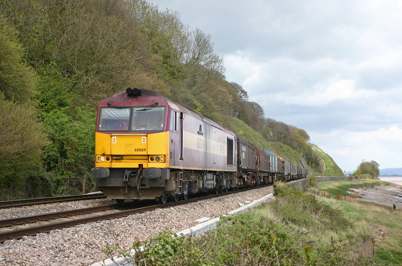 60089, 13.21 Round Oak-Llanwern, Gatcombe, near Lydney, 22-4-04.