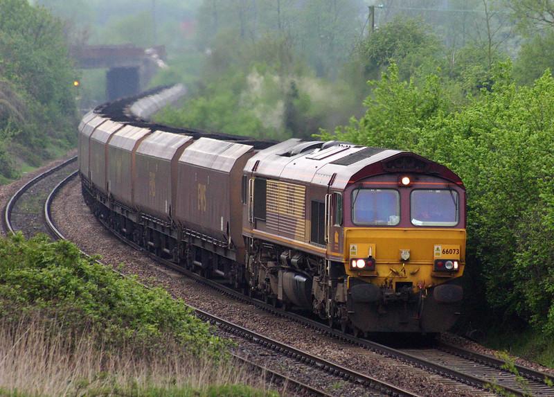 66073, Avonmouth Bulk Handling Terminal-Aberthaw Power Station, Brentry, Bristol, 28-4-04.