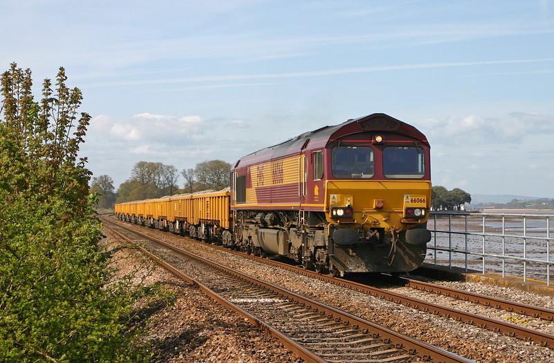 66066, down departmental, Powderham, near Starcross, 23-4-04.