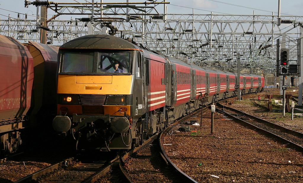 90014, Euston-Glasgow, Stafford, 13-4-04.