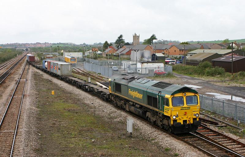 66543, 10.08 Cardiff Wentloog-Southampton Millbrook, Severn Tunnel Junction, 22-4-04.