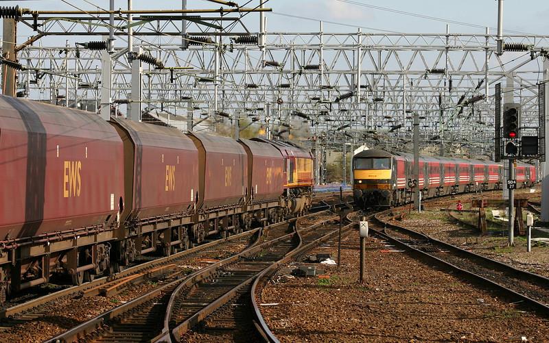 66113, 07.24 Ayr-Rugeley Power Station, and 90014, Euston-Glasgow, Stafford, 13-4-04.