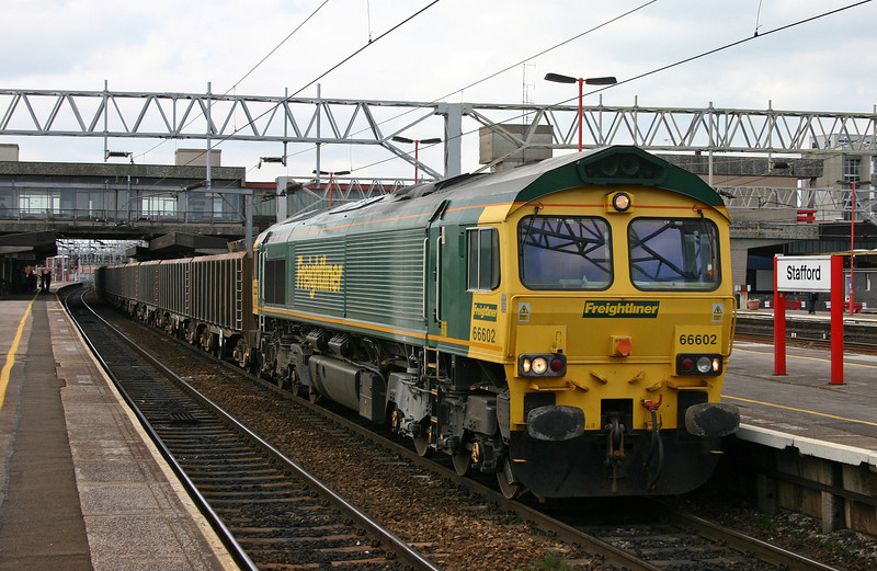 66602, unidentified up ballast boxes, Stafford, 13-4-04.