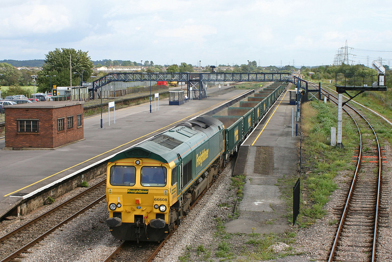 66608, down stone empties, Severn Tunnel Junction, 24-8-04.