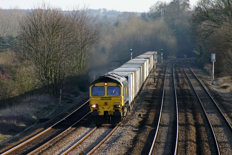 66505, 12.52 Southampton-Trafford Park, Lower Basildon, near Pangbourne, 10-2-04.